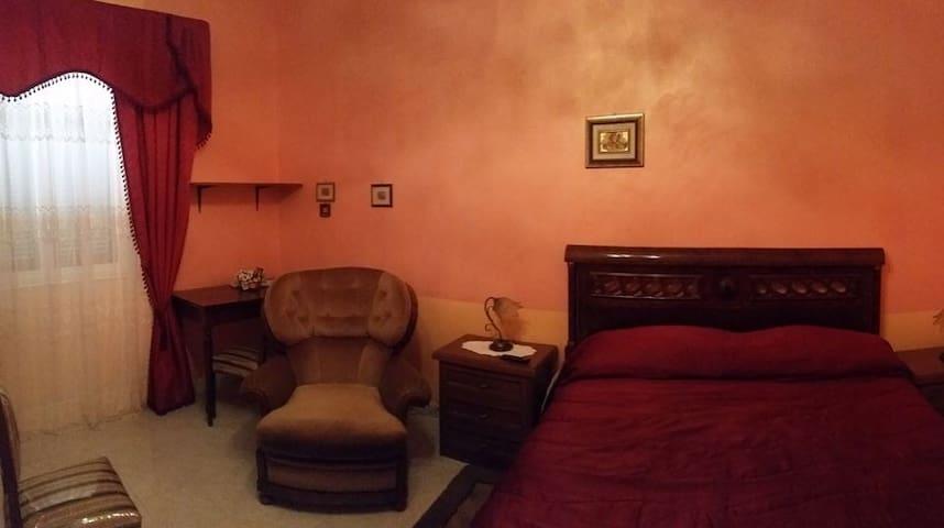 camera matrimoniale con bagno in camera  CE centro