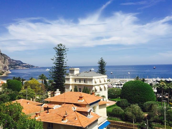 Appartement jardin et vue mer entre Nice et Monaco