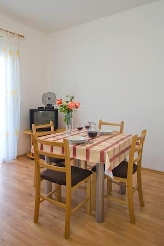 Apartmani Ante Batur 2 - Pridraga - Wohnung