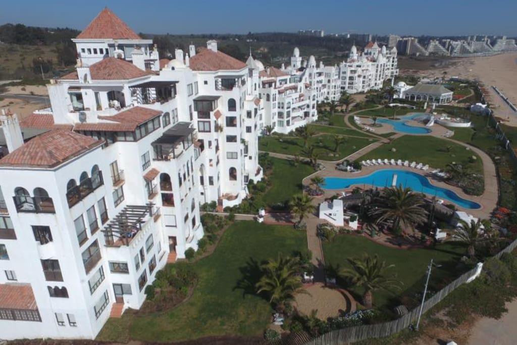Algarrobo. Vista del condominio Condo overall view