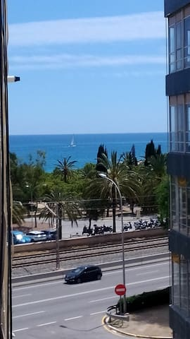 DOUBLE ROOM IN APARTAMENT  IN FRONT THE SEA!!!