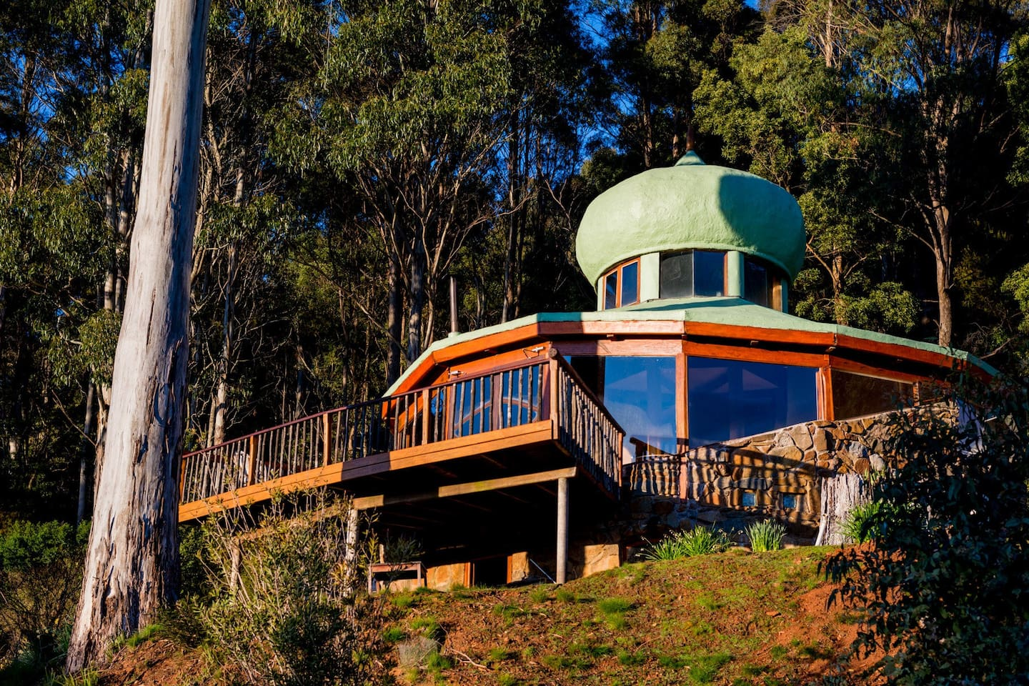 The Roundhouse sits on the side of Warner's Sugarloaf with direct views of Quamby Bluff