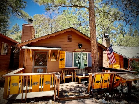Cozy chalet perfect for a relaxing getaway!