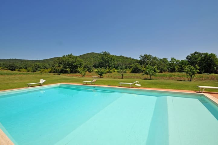 Sabina 2 - Vacation Rental on the Tuscan Coastline