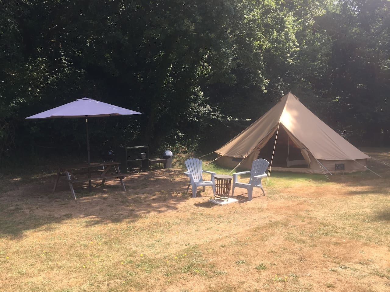 COSY tent with outdoor picnic area