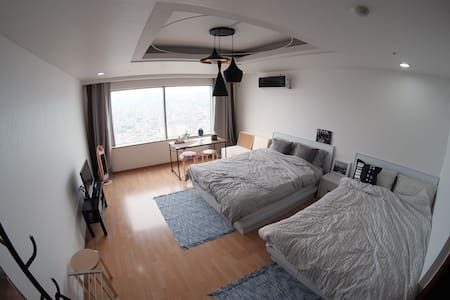 P1 Best Location Hongdae Wifi Egg Private Bathroom - Mapo-gu - Flat