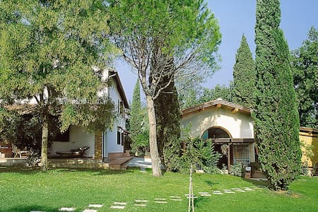 Hayloft with pool and views over the countryside - San Miniato
