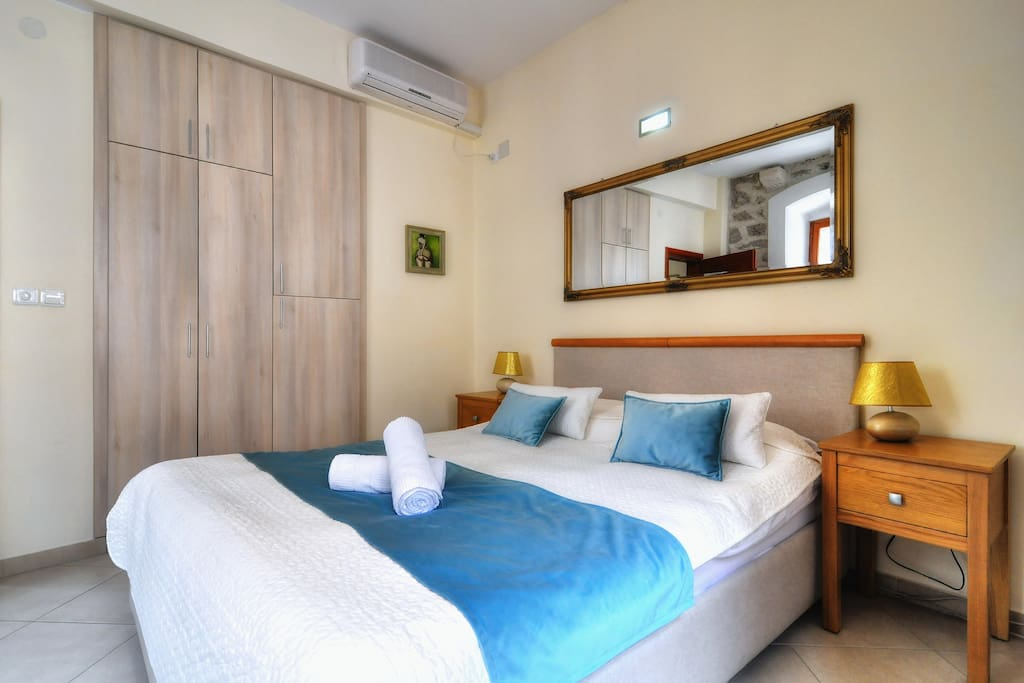 La Dolce Vita Apartment II – Old Town Kotor. Quiet, cozy, comfortable place for your vacation in Montenegro.
