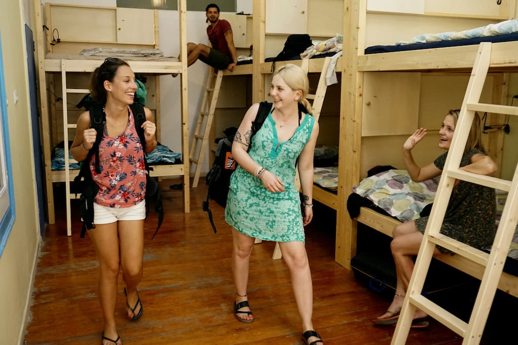 10 persons dorm with king size bunk beds