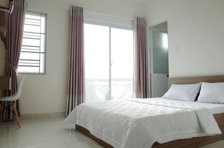 Quiet room and near Saigon center (Room 1) - Phú Nhuận - Gästehaus