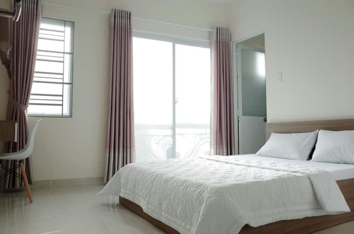 Quiet room and near Saigon center (Room 1)