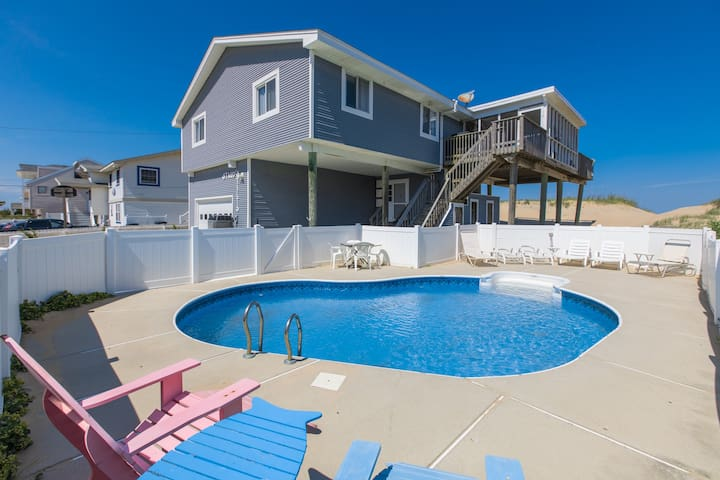Staud's Stilts: Staud's Stilts Stylish coastal themed 5 bedroom oceanfront home w/ pool