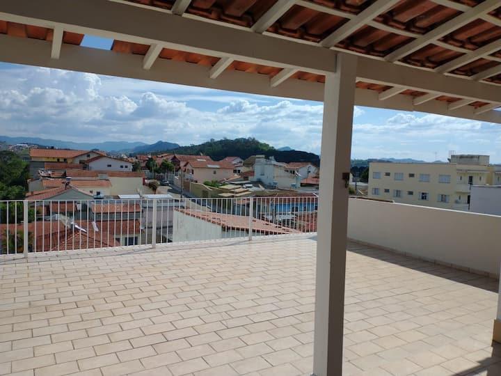 Casa ampla com terraço e espaço gourmet em Itajubá