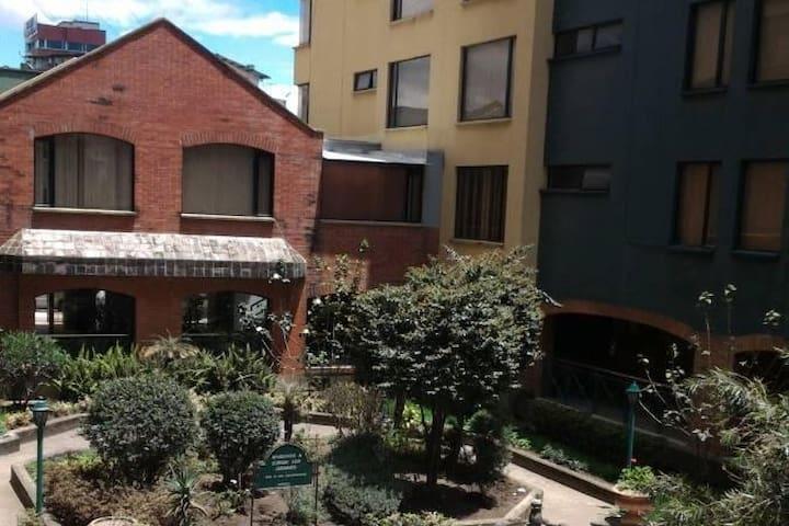 Agradable departamento con terraza, en Iñaquito