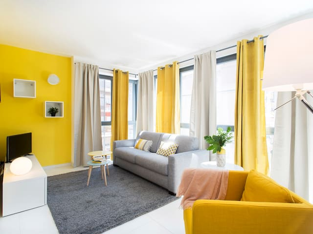"""""""Yellow Holiday House"""" - 3°P di SkyTower (7 Case)"""