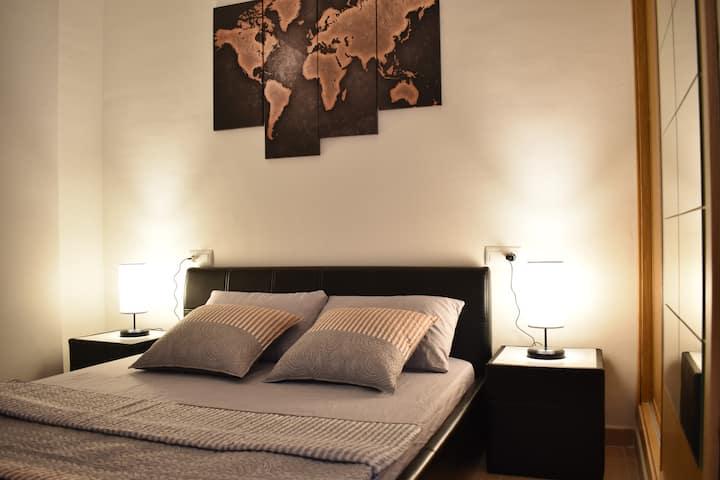 Precioso piso de 1 dormitorio cerca de Puerto
