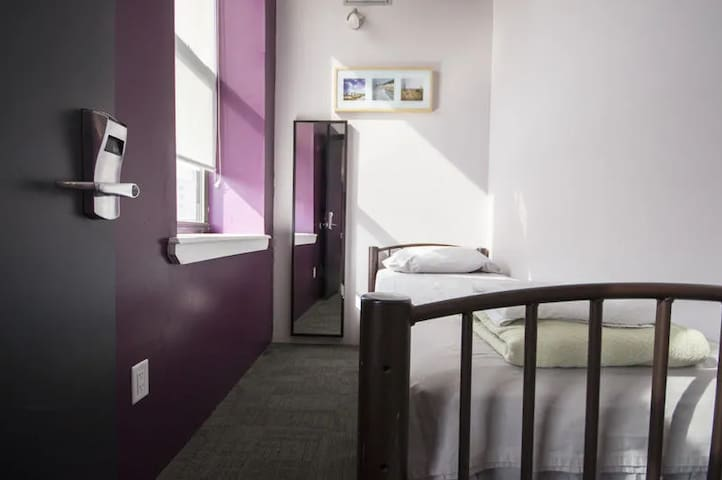 ★Single Room in Backpackers Accommodation★