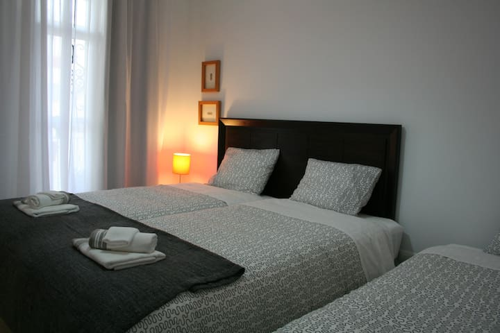 Casa del Loro-Double/Triple room in Cádiz centre 3 - Cádiz - Bed & Breakfast