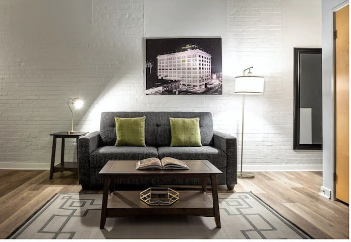 Luxury Apartment in Downtown Indianapolis