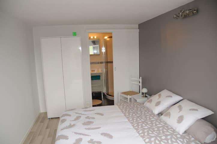 Studio accés indépendant  10 Km de Limoges - Condat-sur-Vienne - Huis