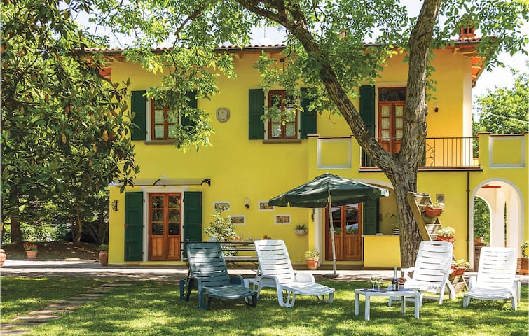 Holiday cottage with 5 bedrooms on 200m² in Partina  AR