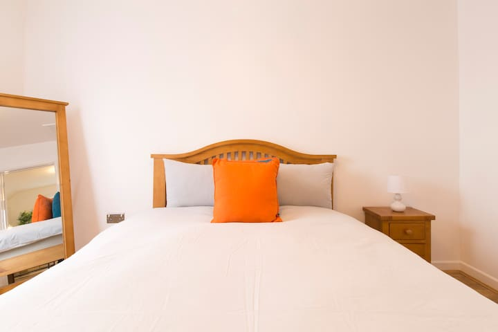 Sleep & Stay Oxford - Iffley Penthouse Inc Parking