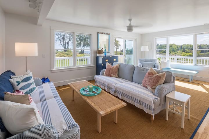 The living room has great views of Harbor de Grace.