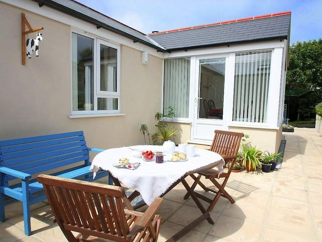 MYNHEER FARM BOWJI, family friendly in Redruth, Ref 959658