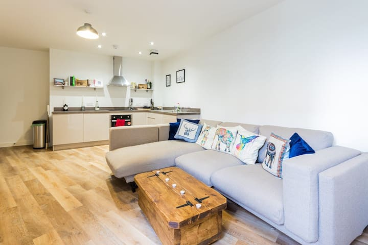 A flat in the heart of the Bay