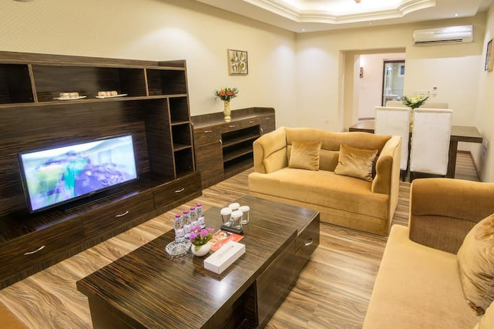 3 Bedroom Apartment With Kitchen