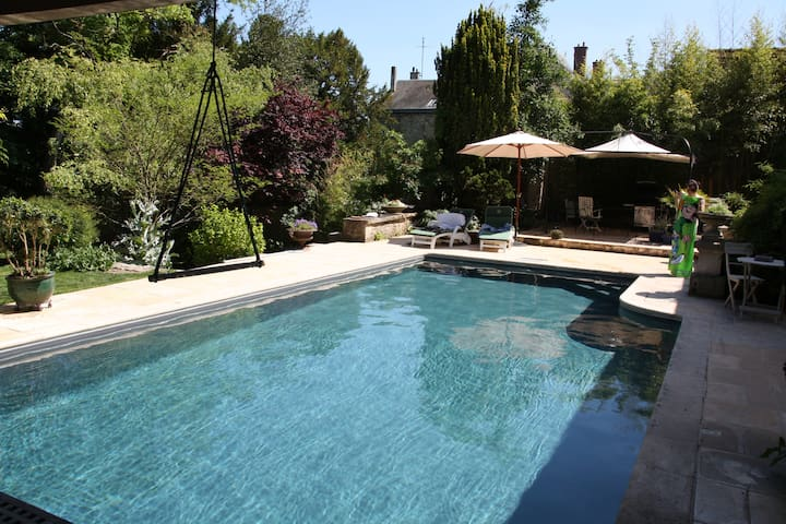 Maison de charme avec piscine pour famille et amis - Pithiviers - Huis