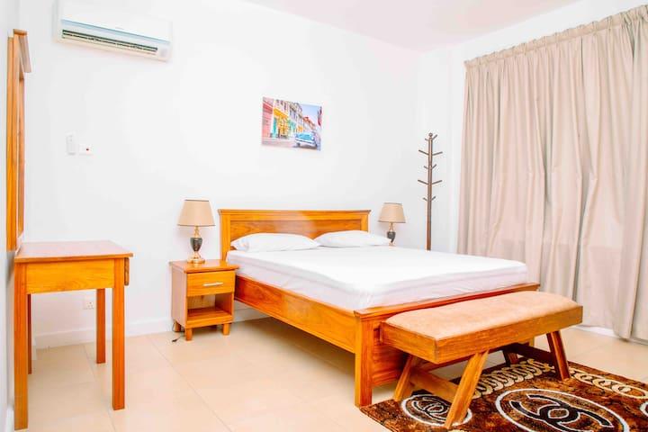 Bedroom no 2 - kingsize Bed