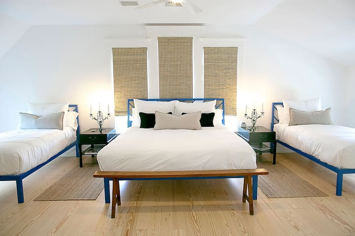 ROOM 6/ Farm House- The Frenchie Boutique Hotel