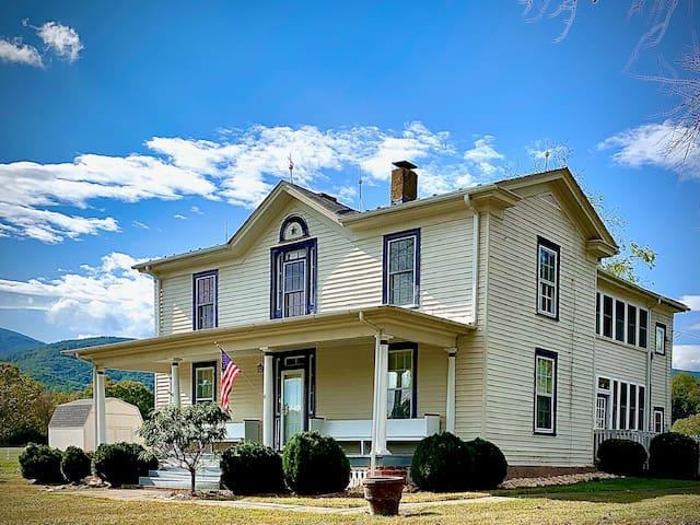 The Blue Ridge Farm, inc: 3 properties (Sleeps 22)