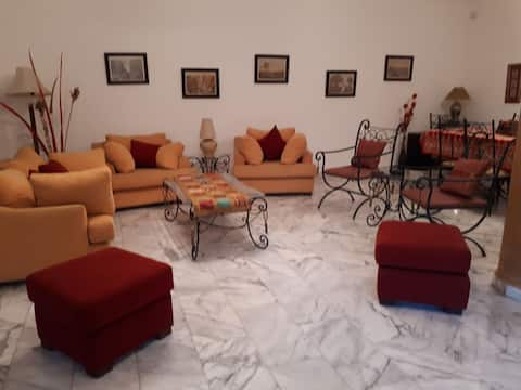 Shmesani cozy 2 bed APT/3 min from Business center