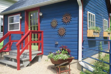 Guesthouse at Griff Run - Tiny House, Sleeps 2