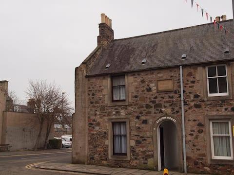 Historic Town House Scottish Borders Sleeps 2-4