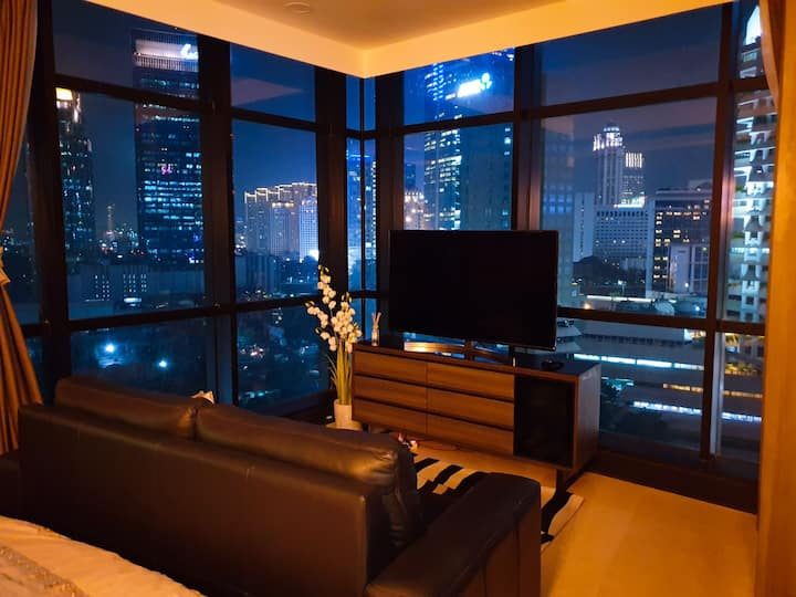 Panoramic view in Sudirman suite aprt & near MRT