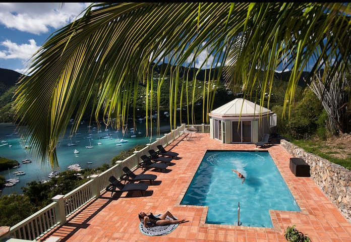 360 Degree Panoramic Views! Private pool, gated.