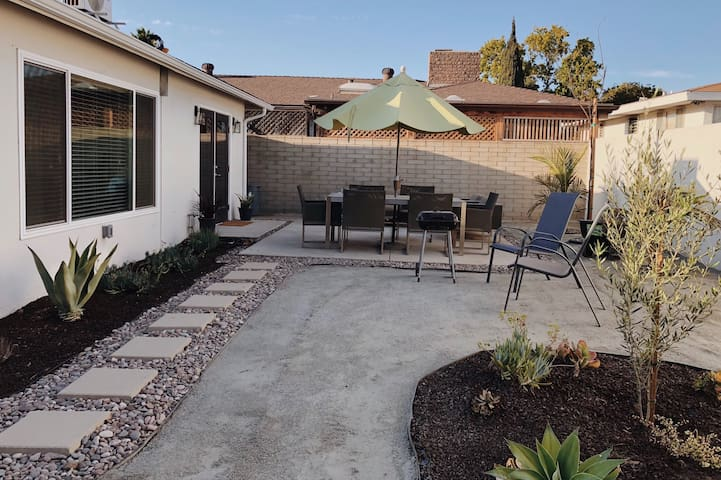Two Bedroom House Minutes From SDSU