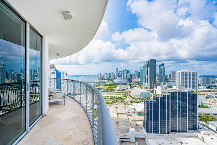 ★Breathtaking,D0wtn/Bay View@39th FREE Parking!