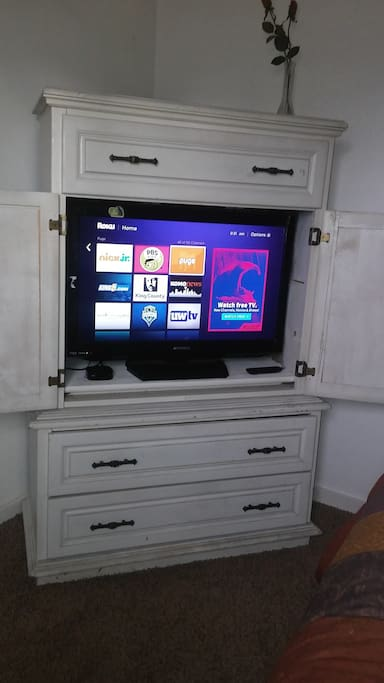 The room has a Roku so you can access your netflix, hulu or prime account.
