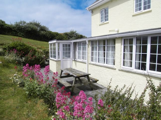 The Oystercatcher Cottage - Polmorla - Appartement