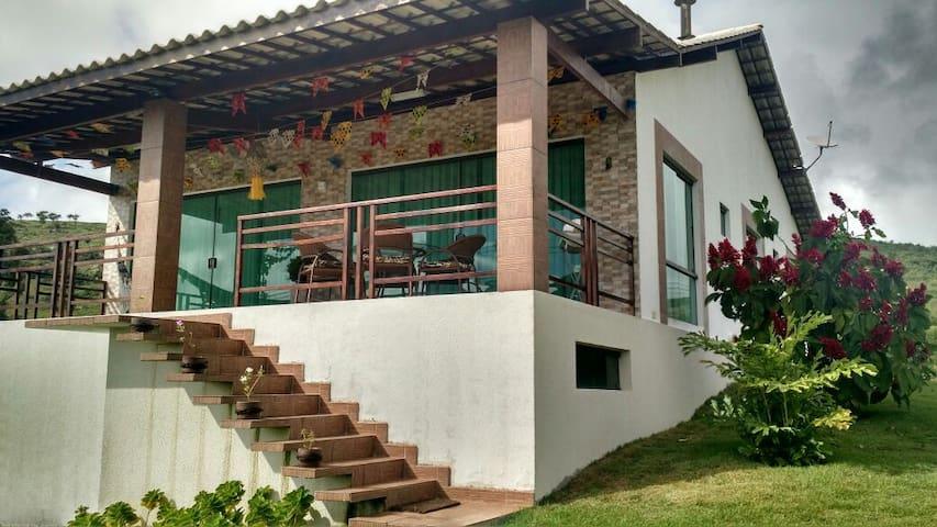 Aluga-se casa em condomínio Gravatá/Sairé - Sairé - Hus