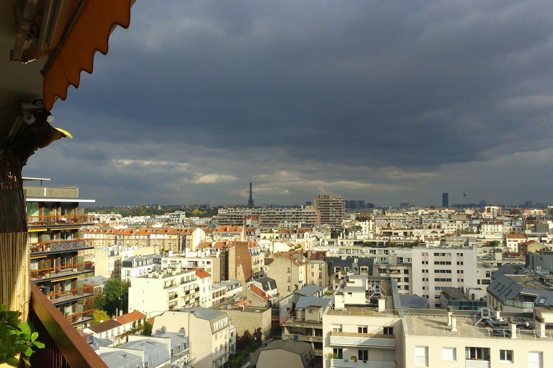 12TH & UPPER FLOOR. GREAT VIEW OVER PARIS (EIFFEL & MONTPARNASSE TOWERS)