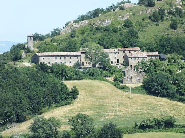 Il Borgo di Pietrarubbia