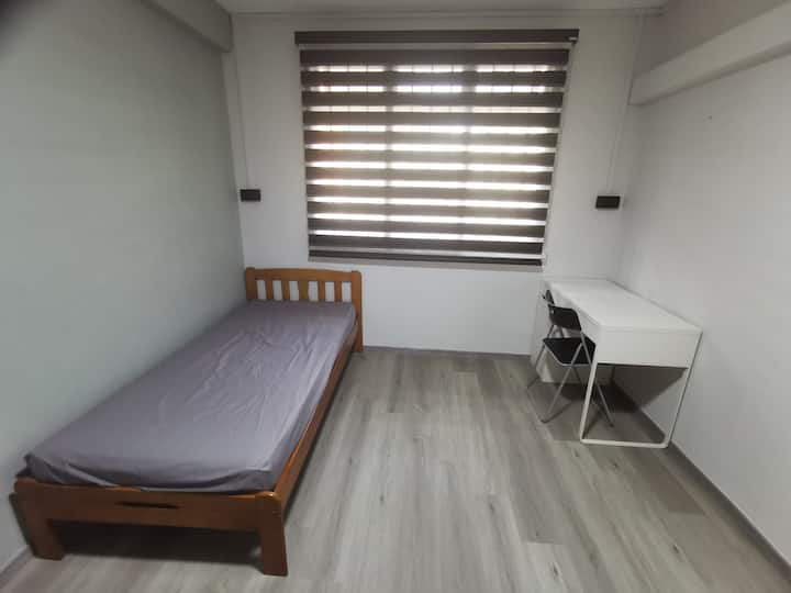 Jurong West Spacious Room (near NTU),renovated
