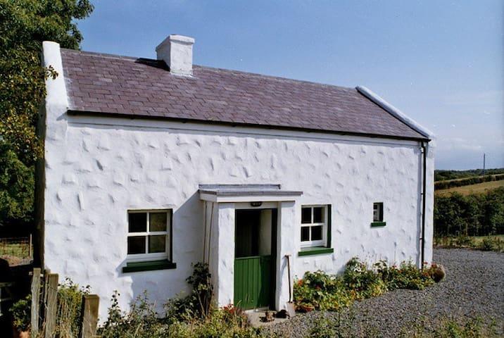 Primrose Cottage, Rosevale Farm