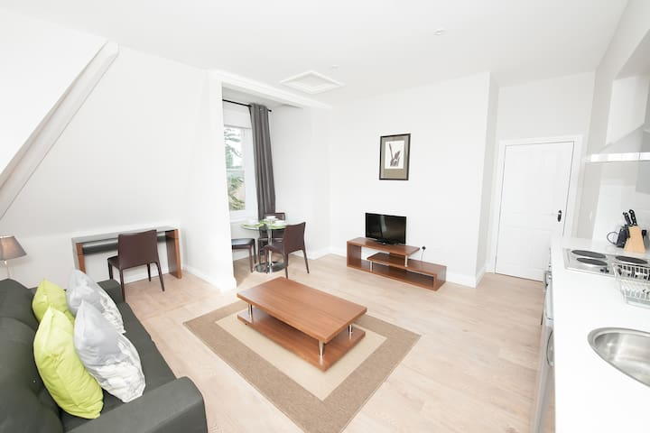 1 Bed Apartment Coldeast Mansion - Sarisbury Green - Leilighet