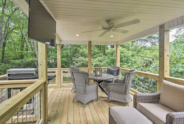 Updated Home 1-Block Walk to DT Blowing Rock!